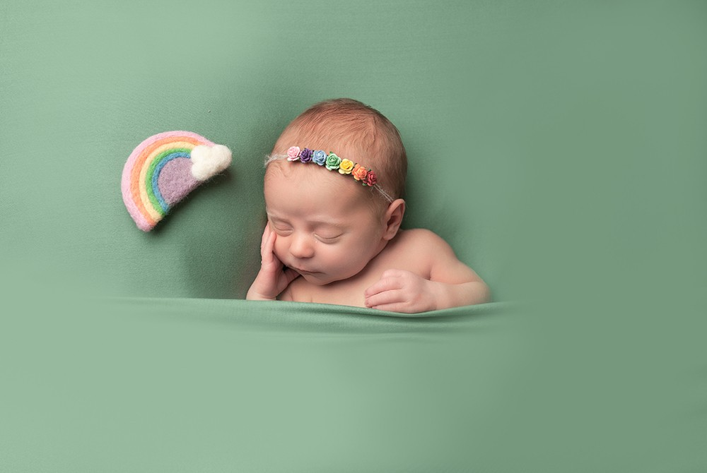 bright green background newborn photography near milton keynes