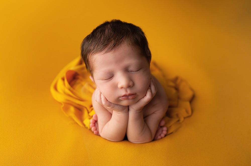 Newborn photographer Olney
