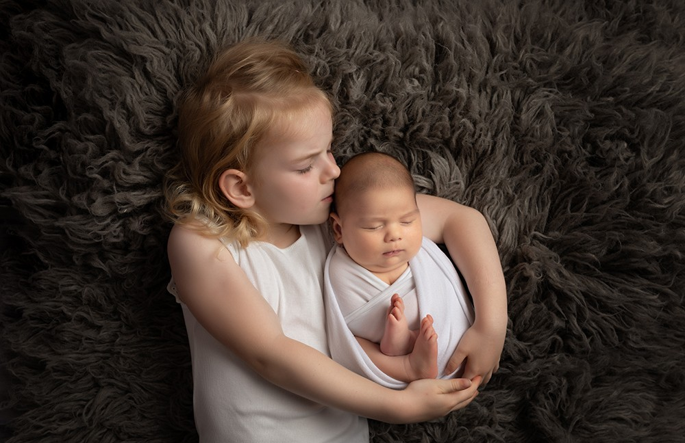 Newborn Photographer Milton Keynes near Northampton baby with sister