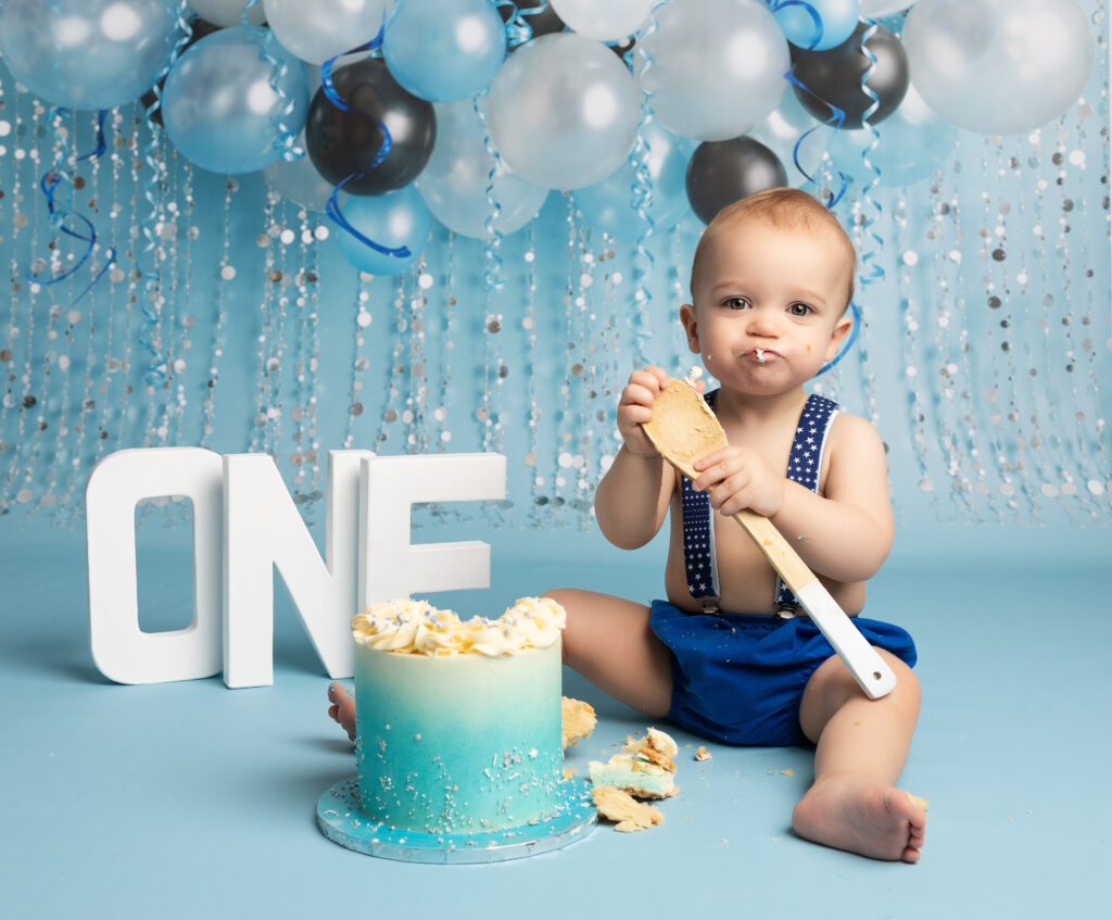 baby boy at blue Cake Smash Milton Keynes