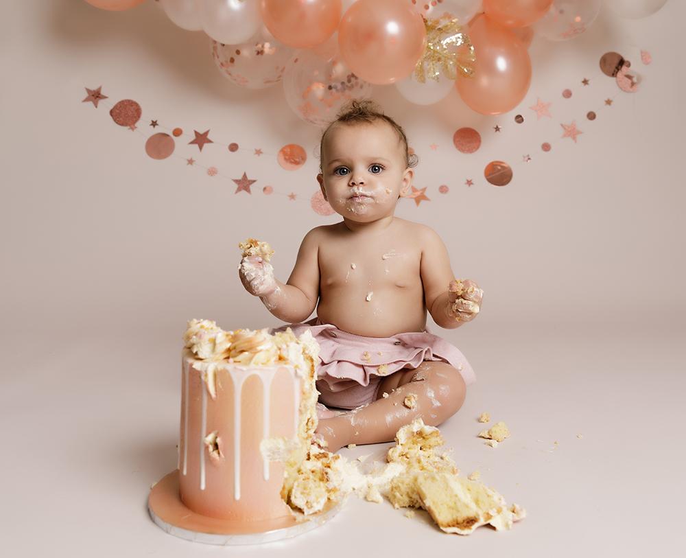 baby girl rose gold decorations at Cake Smash Milton Keynes