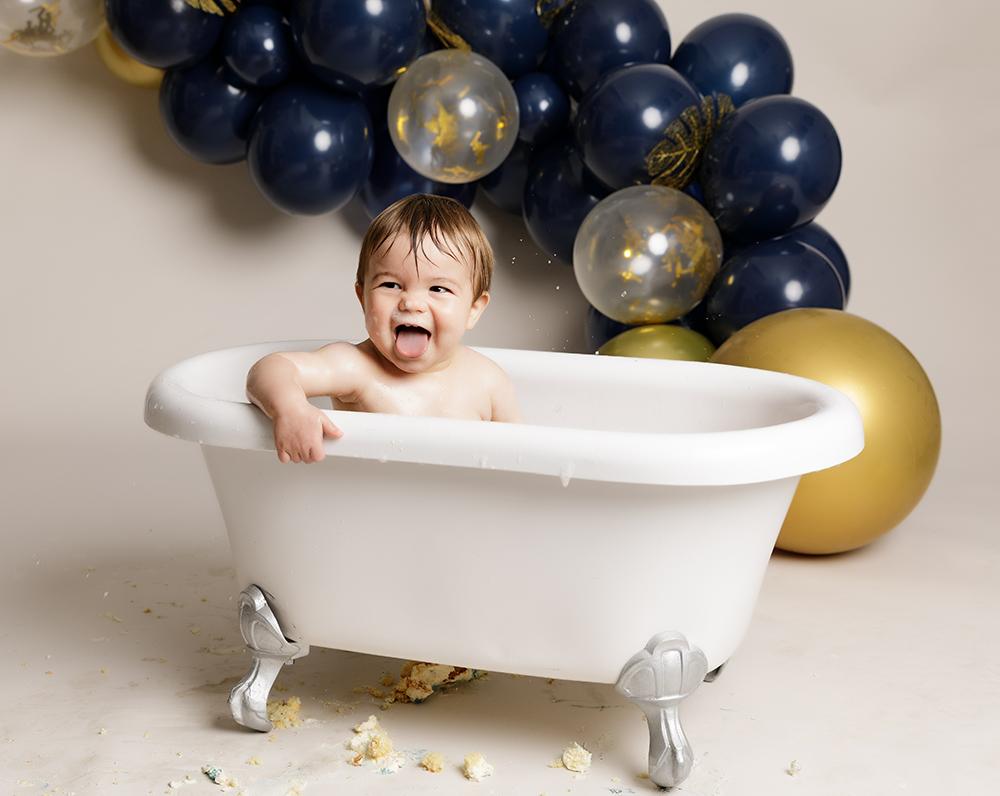 baby boy in a bathtub at Cake Smash Milton Keynes