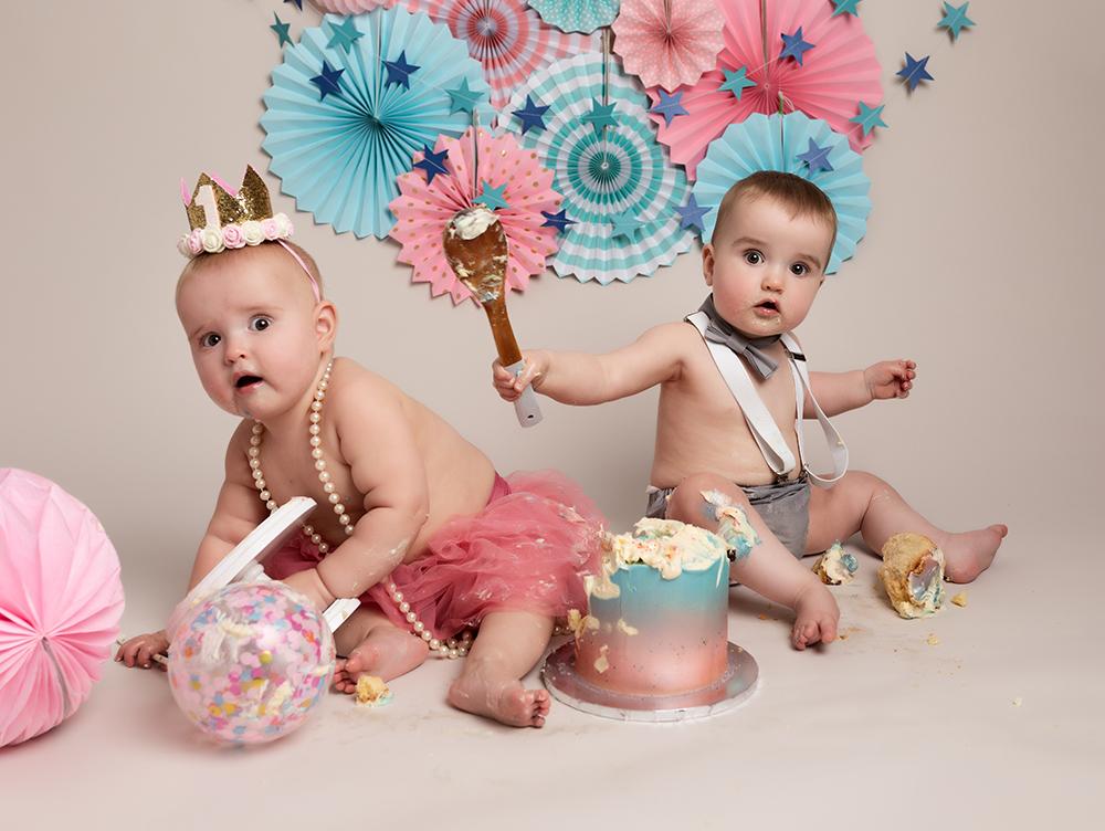 twin boy and girl at first birthday Cake Smash Milton Keynes