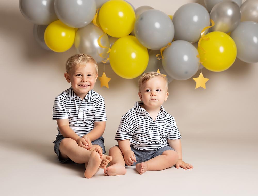 two brothers at Cake Smash Milton Keynes