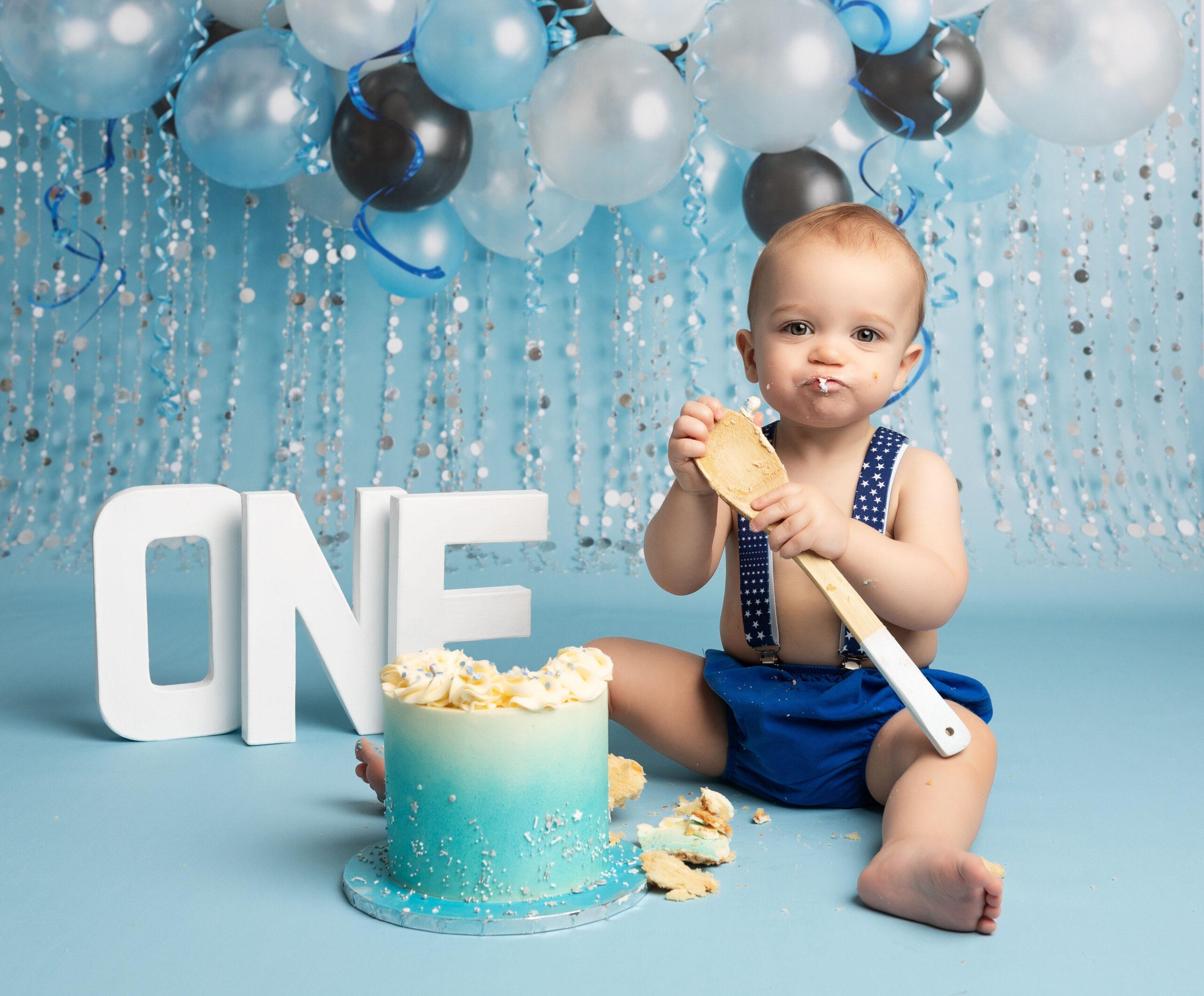 blue cake smash ideas